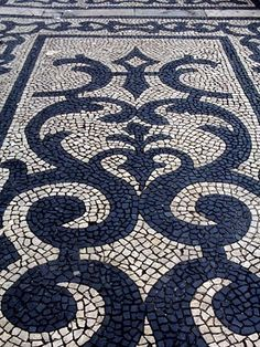 Jeffrey Bale's World of Gardens: Pebble Mosaic for the Garden. Pavement in Lisbon Mosaic Rocks, Pebble Mosaic, Stone Mosaic, Pebble Art, Mosaic Art, Mosaic Glass, Mosaic Tiles, Rock Mosaic, Mosaic Walkway