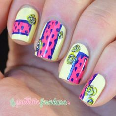 la_paillette_frondeuse #nail #nails #nailart