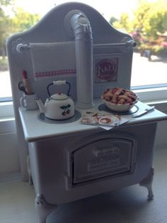 Miniature Kitchen Stove With Fresh Baked Deep Dish Cherry Pie