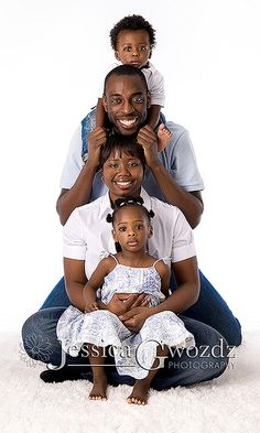 Great idea for posing 4 people with different age kids!