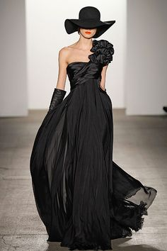 Gown in Black