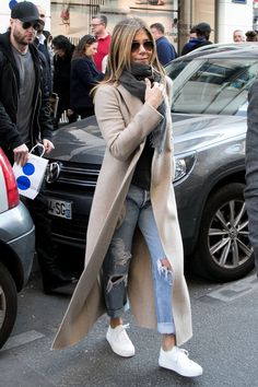 If I Went Fall Shopping With Jennifer Aniston, I'd Suggest These 7 Basics - Jennifer Aniston outfit in duster jacket, ripped jeans, white sneakers Source by WhoWhatWear - Jennifer Aniston Style, Jenifer Aniston, Jennifer Lawrence, Sneaker Outfits, Crop Top Outfits, Winter Outfits, Casual Outfits, Basic Fashion, Fashion Basics
