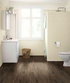 Trendy vinyl på baderomsveggen - Byggmakker+ Hygge, Alcove, Tile Floor, Bathtub, Flooring, Bathroom, Watercolor Painting, Standing Bath, Washroom