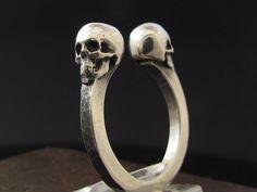 MySacrum cráneo anillo gótico