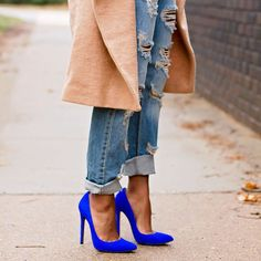 Royal Blue Suede Pumps Worn once. Padded insole and textured outsole. Blue Heels Outfit, Heels Outfits, Cool Outfits, Shoes Heels, Cobalt Blue Heels, Royal Blue Pumps, Blue Stilettos, Blue Suede Pumps, Urban Chic