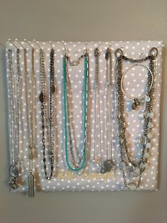Thirty One pin board to keep your jewelry organized. Don't forget to personalize it! See this and more at jennpennbags.com
