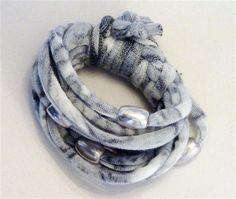 Grey patterned bracelet with matt silver beads (18B)