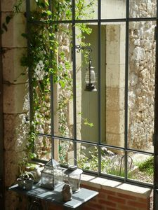 Véranda atelier Steel Windows, Big Windows, Windows And Doors, Indoor Outdoor, Outdoor Living, Magic Places, Marquise, Through The Window, Architecture Details