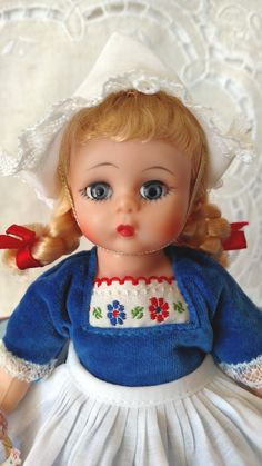 Dutch Girl Bent Knee Madame Alexander International Doll HTF Box & Wrist Tag, Original Chicken in Basket Accessory Rubber Band Box Braids, Blue Velvet Top, French Braid Ponytail, Hair Ribbons, Madame Alexander Dolls, Doll Stands, Trending Hairstyles, Hairstyles With Bangs, Braid Styles