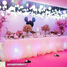 Festa perfeita Minnie Mouse Birthday Decorations, Minnie Mouse Theme Party, Minnie Mouse Pink, Kids Party Decorations, Minnie Birthday, Baby Girl Birthday, 2nd Birthday Parties, Mouse Parties, Party Ideas