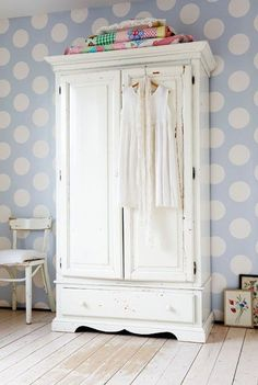 I love free standing wardrobes and need two for my house.....if only the really beautiful ones weren't soooo expensive!
