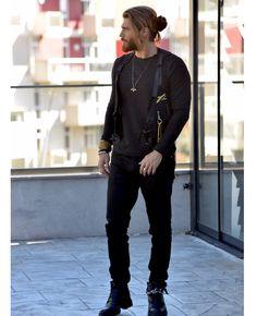 Turkish Men, Turkish Actors, Beautiful Men Faces, Gorgeous Men, Hipster Fashion, Mens Fashion, Fashion Boots, Shoes With Shorts, David Beckham Photos