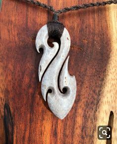 Dremel Carving, Carving Tools, Wood Carving Patterns, Carving Designs, Bone Crafts, Resin Crafts, Wood Resin, Resin Art, Maori Art