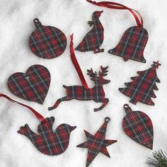 Tartan wooden gift tags that double as Christmas tree ornaments (or vice versa) More
