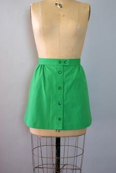 Vintage 1960s Skirt - Fresh Spring Green Mod Mini Skirt - Large