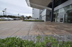 Liberty Life head office,Cape Town.Viking and York cobbles used with Kent reinforced random Edge Paver