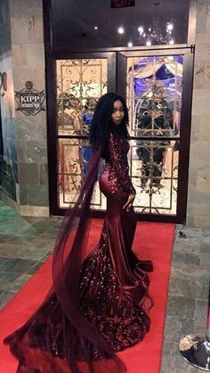 Here are a few of the 2016 prom dresses that broke the internet during this prom season. These prom dresses went viral on social media. Prom Girl Dresses, Prom Dresses 2016, Prom Outfits, Wedding Dresses, African Prom Dresses, Dress Break, Prom Couples, Prom Goals, Prom Night