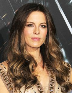 Kate Beckinsale Shines with a Wealth of Light Brown Hair