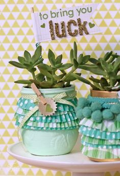 Make these cute little ruffle jar wraps with cupcake liners. Sweet St. Patricks day craft, or gift for a friend