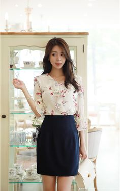 Floral Print Chiffon Ruffle Blouse in 2020 Korean Fashion Ulzzang, Asian Fashion, Chiffon Ruffle, Ruffle Blouse, Print Chiffon, Diy Upcycled Clothing No Sew, Mini Skirt Style, Royal Clothing, Fashion Design Sketches