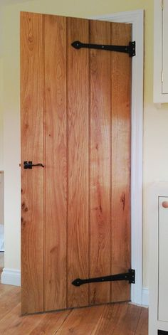 The full range of traditional cottage style legged and braced wooden doors made to measure for your internal wooden door frames and supplied by G S Haydon. Oak Doors, Front Doors, Lake Cottage, Cottage Style, Internal Wooden Doors, Cabin Doors, Upstairs Bathrooms, Cottage Ideas, Hallway Decorating