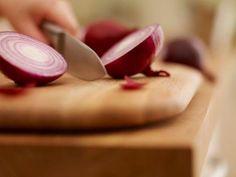 CEBOLLA, Onions http://noticiasdiarias.com.ve/2015/01/30-ingredientes-basicos-que-no-pueden-faltar-en-tu-cocina/