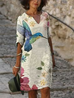 Ladies casual V-neck printed short sleeve dress - realyiyi.com Maxi Dress With Sleeves, Half Sleeves, Types Of Sleeves, Shift Dresses, Long Dresses, Maxi Dresses, Fashion Dresses, Fashion Prints, Fashion Art