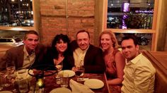 @E_L_James   Dinner :) pic.twitter.com/IsRkmrDMA1 w/ Kevin Spacey and crew 9/8/13