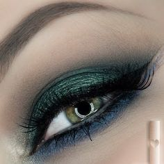 Try blue and green eyeshadow on your next date night! This will definitely make your eyes look oh-so-dramatic! Bag the products used here.