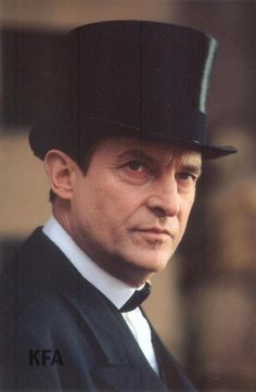 It is always absurdly simple when you explain it! It is all about Granada Holmes and the wonderful,. Jeremy Brett Sherlock Holmes, Detective Sherlock Holmes, Adventures Of Sherlock Holmes, Jim Moriarty, Sherlock John, Sherlock Holmes Elementary, Mrs Hudson, Wedding Dress Pictures, 221b Baker Street