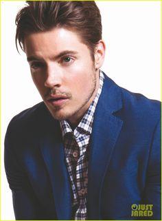 Josh Henderson.. One Blue Eye and One Green Eye.. Yeah I'm in Love lol