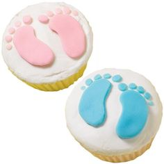 These easy-to-decorate baby footprint cupcakes bring high-stepping fun to baby showers. Simple Baby Shower, Baby Boy Shower, Baby Shower Cupcakes Neutral, Baby Shower Gifts, Baby Shower Parties, Baby Shower Cakes, Cupcake Cookies, Cupcake Pics, Girl Cupcakes