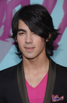 Joe Jonas Hairstyles | Cool Men's Hairstyles Pictures & Styling Tips