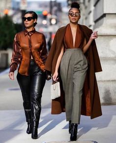 40 Stylish Winter Street Style Outfits Ideas To Inspire You - Wanting to figure out how to update your wardrobe for the winter season? Here are eight easy tips to help you get styled up: Rich colours. Black Girl Fashion, Look Fashion, Winter Fashion, Street Fashion, Modern Fashion Outfits, Street Chic, Classy Outfits, Chic Outfits, Fall Outfits