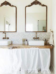 French Country Bathroom. Design by  Vania Barbieri-Morris