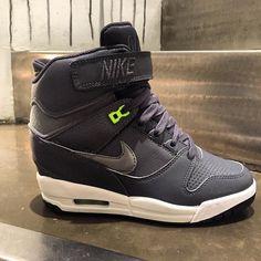 New Nike WMNS Air Revolution Sky High #nike #nikeair #womensnike #nikewomens #skyhi #airrevolution #nikewmnsairrevolutionskyhi #dunkskyhi #airmax #airmax1 #airmax90 #hype #huarache #instakicks #share #sneakercommunity #followus #followme #followus #sneakerwedges #beyonce #chicksnkicks #hype #blog #3komma43 #sport #girlssneakers  @nike @nikesportswear #nikesportswear #fashion #freshin