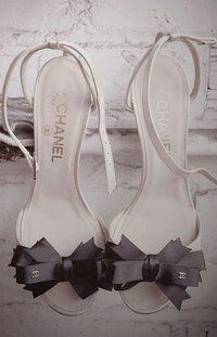 Skull boots chanel black wedding shoes woollen Louis Vuitton Totes Spinal Stilettos - Skeletal Fall 2010 Shoes Are Anatomazing (GA. Stilettos, High Heels, Black Heels, Sexy Heels, Coco Chanel, Chanel Shoes, Chanel Sandals, Bow Sandals, Chanel Bags
