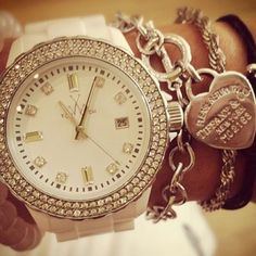 Delicate Online Watch Shopping