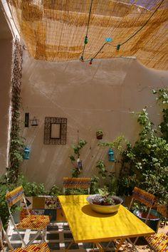 Wear NYDJs to sunny brunch on the patio. #PintoWinNYDJ contest details: bit.ly/PintoWinNYDJ