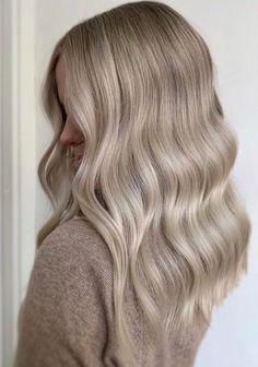 Women Hairstyles Over 40 .Women Hairstyles Over 40 Blonde Hair Looks, Ash Blonde Hair, Blonde Balayage, Pretty Hairstyles, Indian Hairstyles, Curled Hairstyles, Headband Hairstyles, Hair Color And Cut, Hair Highlights