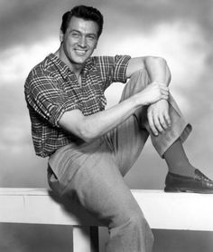 In memory of Roy Harold Scherer, Jr. November 1925 – 2 October He is better known as the heartthrob leading actor, Rock Hudson. He starred in films like Magnificent Obsession, The Tarnished. Hollywood Icons, Classic Hollywood, Hollywood Style, John Garfield, Rock Hudson, Dark Photography, Pillow Talk, American Actors, Fashion Pictures