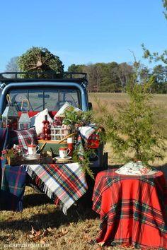 Tartan Christmas, Christmas Love, Christmas Wrapping, Country Christmas, Christmas Pictures, Vintage Christmas, Merry Christmas, Cabin Christmas, Whimsical Christmas