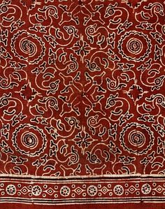 Block printed cotton, mordant dyed  Gujarat India  1470-1550  The 'hamsa (goose)' is an ancient motif in Indian art. It occurs in early sculptural reliefs and in mural paintings of the Gupta period (320-about 540 AD), as seen at Ajanta cave complex, and elsewhere. It is an auspicious motif and was favoured for dress design from the Gupta period.   The attribution date for this object is around 1510 (+ or - 40 years) by radiocarbon-14 dating.