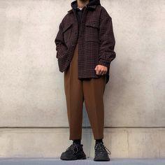 best casual wear for men Look Fashion, Korean Fashion, Winter Fashion, Mens Fashion, Fashion Outfits, Fashion Design, Fashion Trends, Street Fashion, Fashion Styles