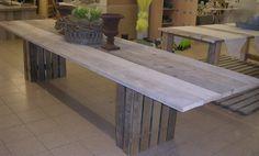 Steigerhouten tafels steigertafels voor binnen en buiten vergrijst en gelakt