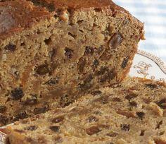 La torta galesa es una de las delicias nacidas en la Patagonia argentina de la mano de inmigrantes de ese país.   ¿Quieres saber cómo se prepara? Aquí te dejo la receta: http://elgour.me/1CTN3OT  #elgourmet #Recetas #Dulces