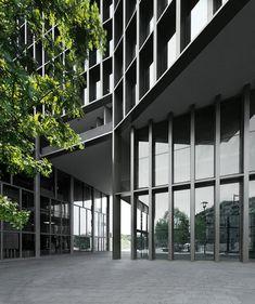 OAB – Ferrater & Asociados, Patrick Genard , Xavier Martí Galí, Aleix Bagué · THE MEDIAPRO BUILDING AT THE AUDIOVISUAL CAMPUS 22@