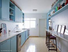 20-decoracao-cozinha-azul-piso-ladrilho