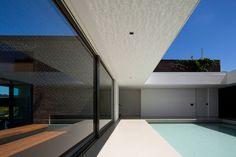 Casa HS Quinta Da Baroneza by Studio Arthur Casas - Design Milk