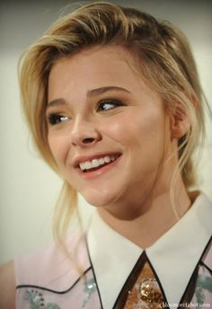 Chloe Moretz Gorgeous Smile | Chloe Moretz Hot Wallpapers